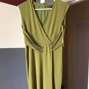 Adrienne Vittadini size 4 Dress